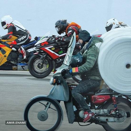 قهرمانان باربر در پیست موتورسواری