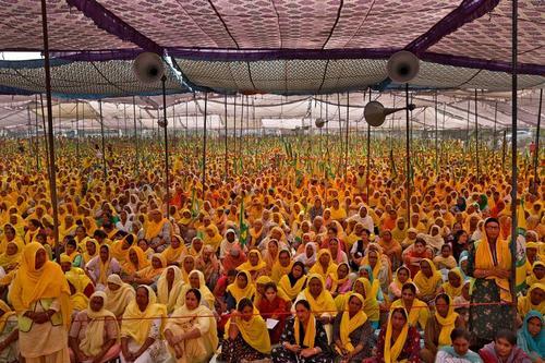 زنان کشاورز هندی در روز جهانی زن برای اعتراض به قانون جدید کشاورزی هند در شهر