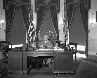 رئیس جمهور روزولت، سال 1933 میلادی.