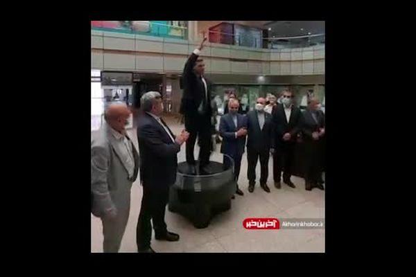تندیس زیبای جهان پهلوان «تختی» نماد ملی موزه المپیک