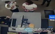 دستگیری فردی که در حمله به کنگره، تریبون نانسی پلوسی را با خود برد+فیلم