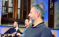 اجرای عجیب آهنگ تولد مبارک توسط علیرضا افتخاری در برنامه زنده