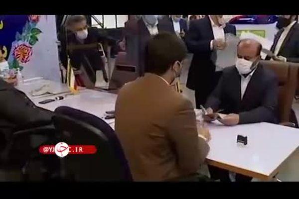 فیلم:رستم خان با گل قرمز ثبت نام کرد